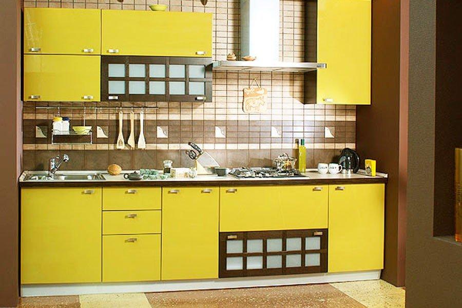 Фото кухни с горчичными фасадами