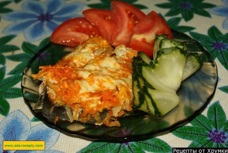 Рыба с луком и морковью в духовке с майонезом