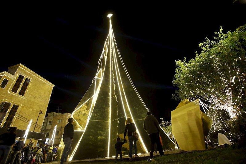 Рожденственское дерево в Библосе, Бейрут.