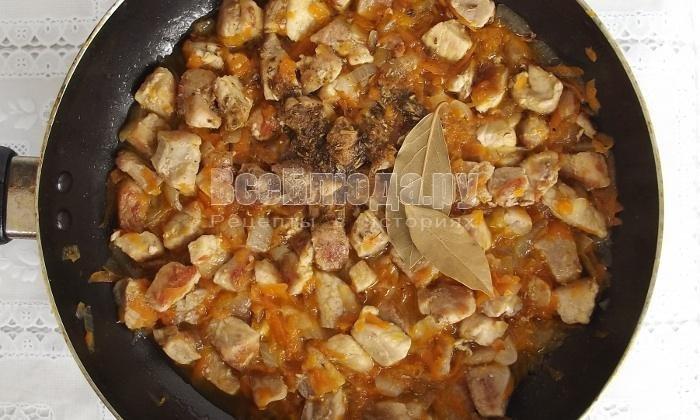 Рецепт вкусного гуляша из свинины с подливкой