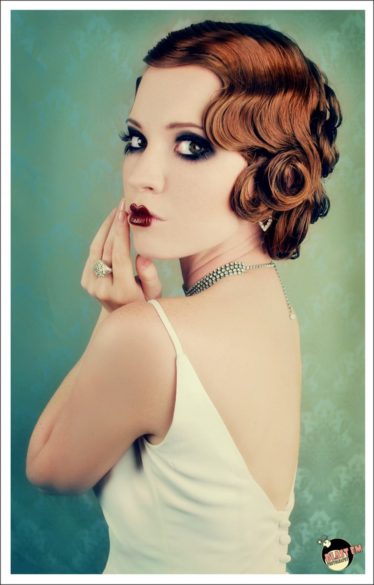 flapper hairstyles for curly hair - 598×828