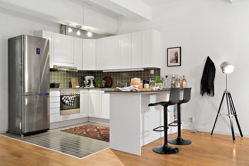 этом разделе смотреть фото кухни в квартире студии сверху покрыт белоснежным