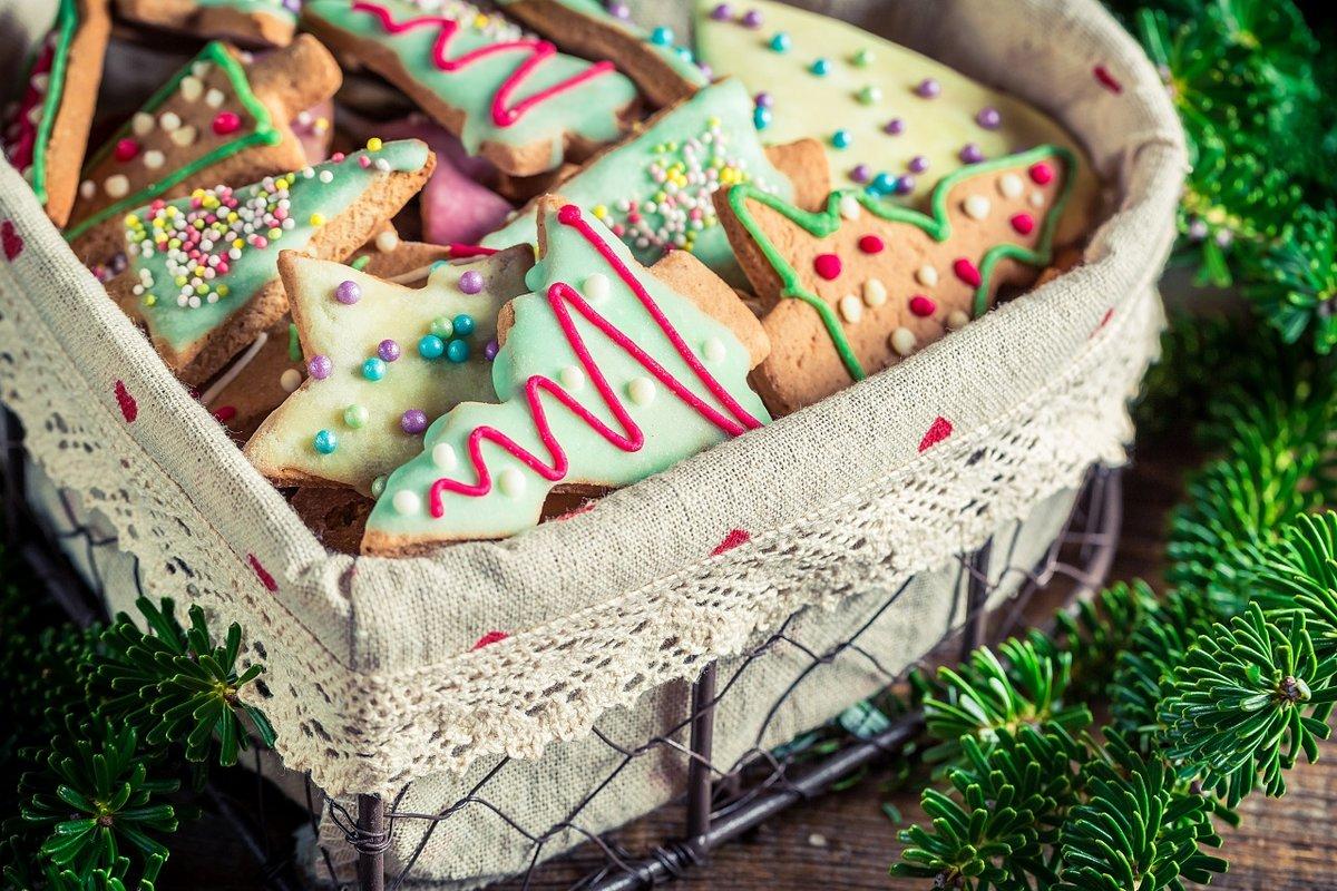 Красочное печенье под елку