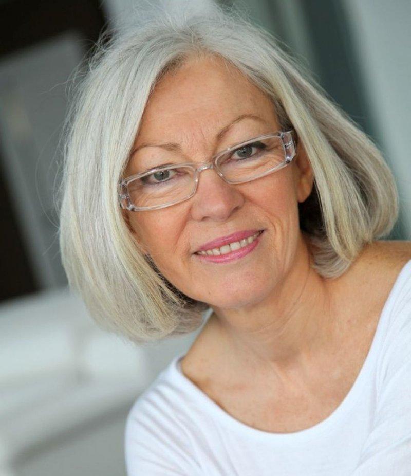 171 Сдержанный макияж для женщин после 50 лет носящих очки