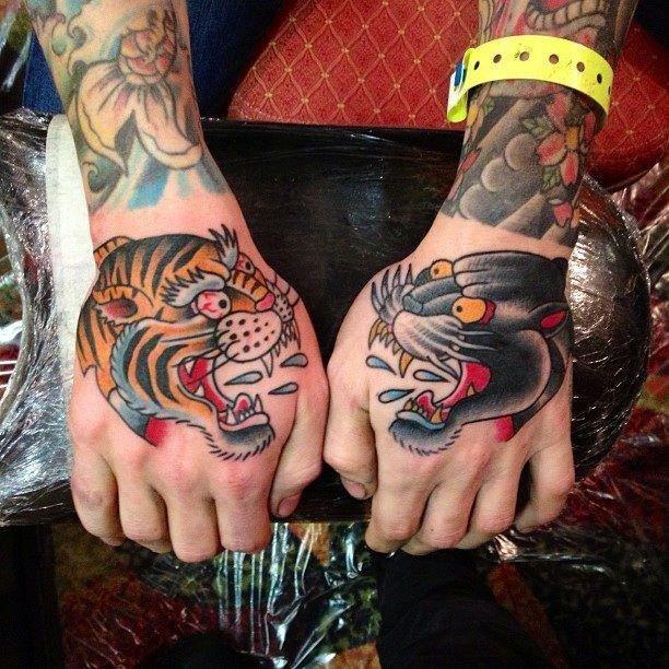 Тигр против пантеры