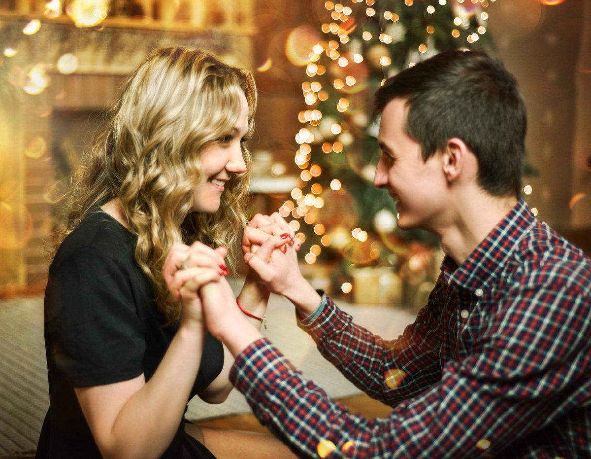 Новогодние картинки влюбленных пар