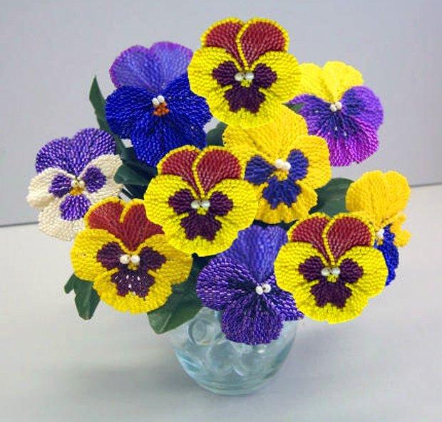Как сделать цветок из бисера 9