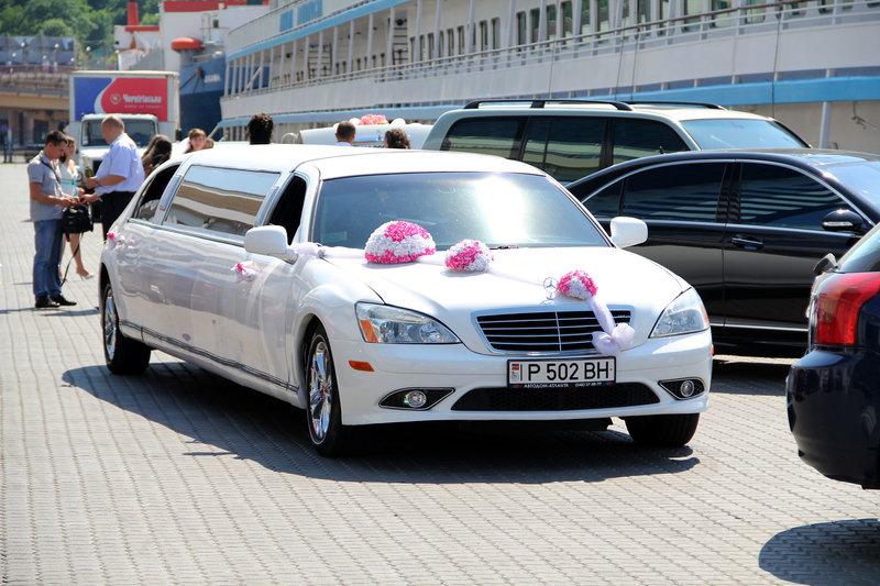 Лимузин, стилизованный под Mercedes