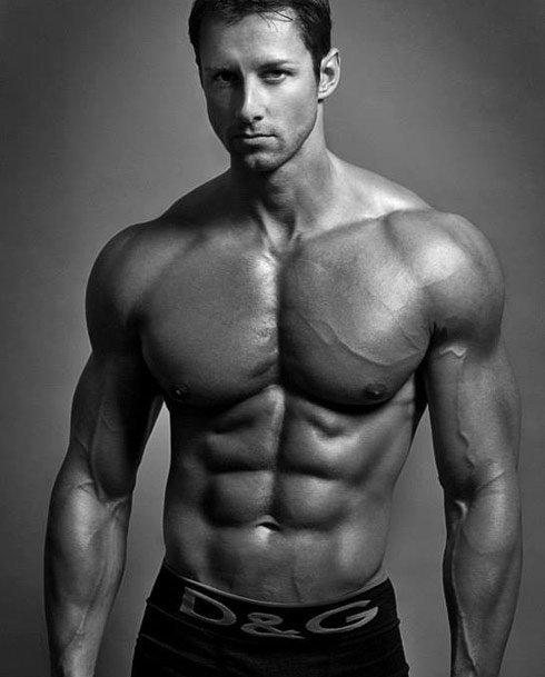 парень атлетического телосложения фото ней пришло видение