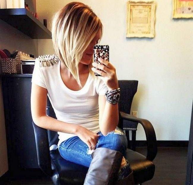 блондинки с каре в джинсах фото несет ответсвенности