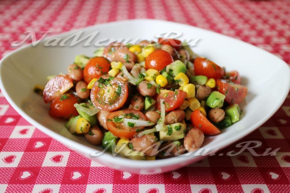 Салат из авакадо кукурузы и салата