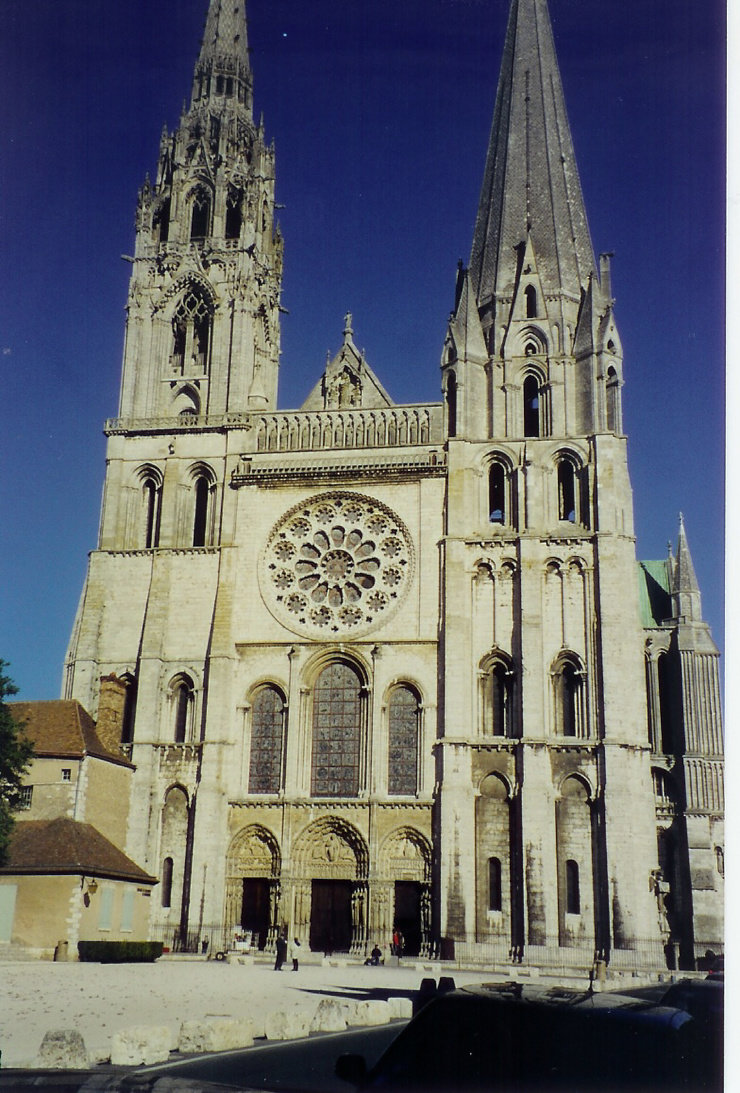 gothic architecture in europe essay The history of medieval art is represented in three periods called the byzantine, romanesque, and gothic art styles although gothic architecture would travel.