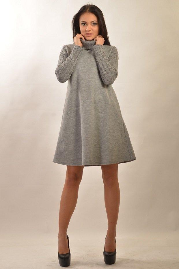 Вязанное платье расклешенное