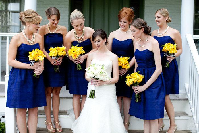 pobedpix.com / подружки невесты в синих платьях