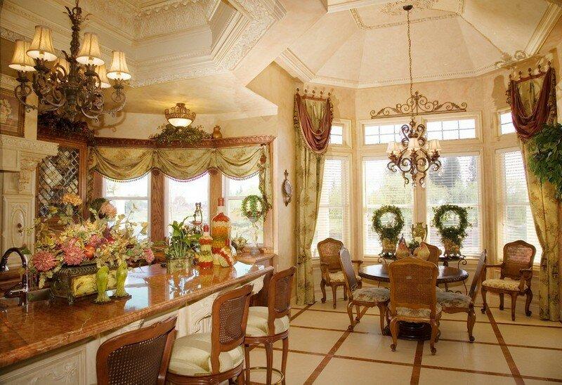 Роскошный викторианский стиль в интерьере не каждому удастся воссоздать, но идеи такого оформления вполне применимы в условиях дома или просторной квартиры.