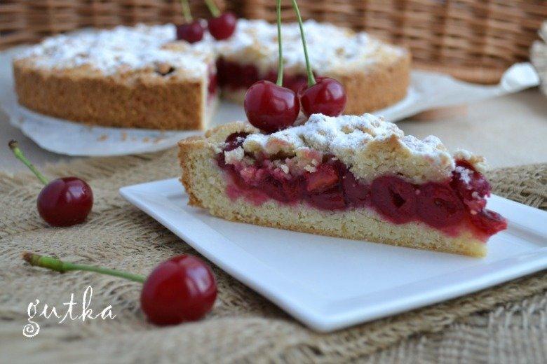Пиріг з вишнями рецепт з фото