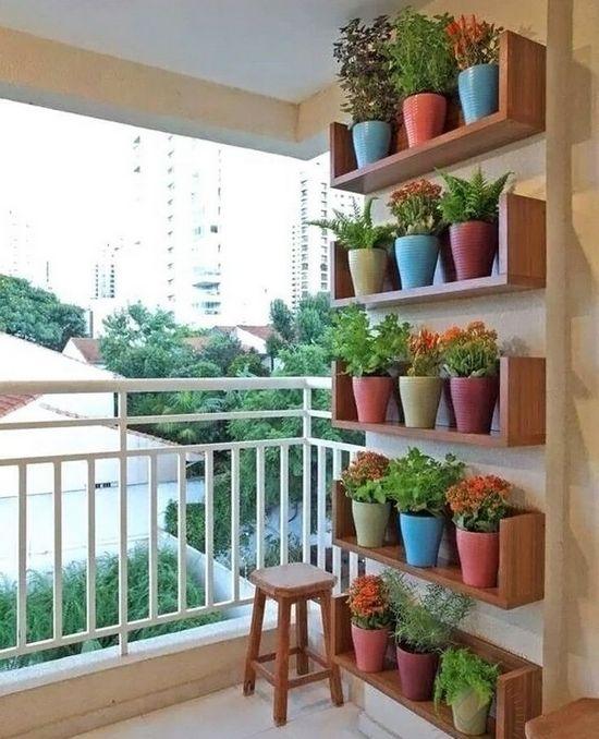 полки для цветов фото на балконе