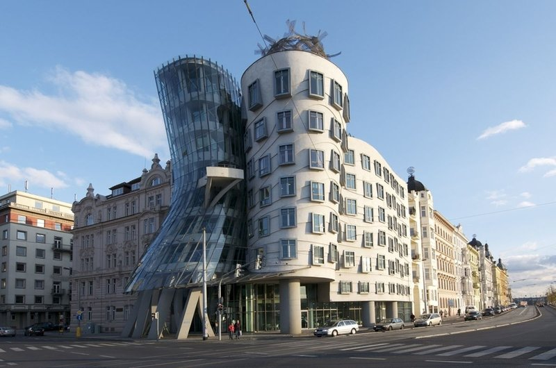 Танцующий дом,Прага