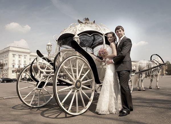 В чем преимущества свадебной кареты?
