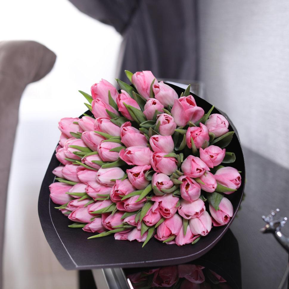 Часа, интересные эксклюзивные букеты с тюльпанами