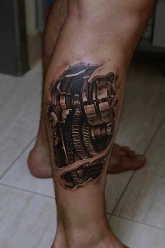 Фото мужчин с татуировкой на ноге
