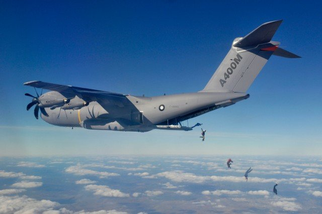 Выброска из самолета A400M