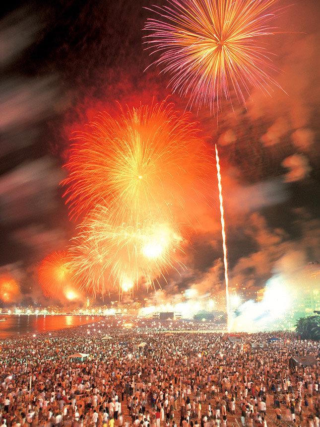 В Новый год на Копакабане собирается около двух миллионов человек
