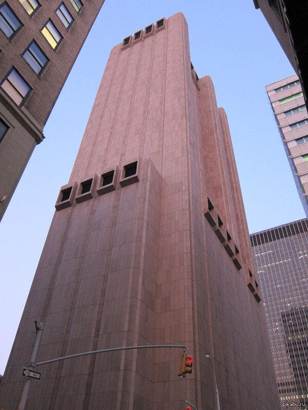 Небоскреб без окон в Нью-Йорке