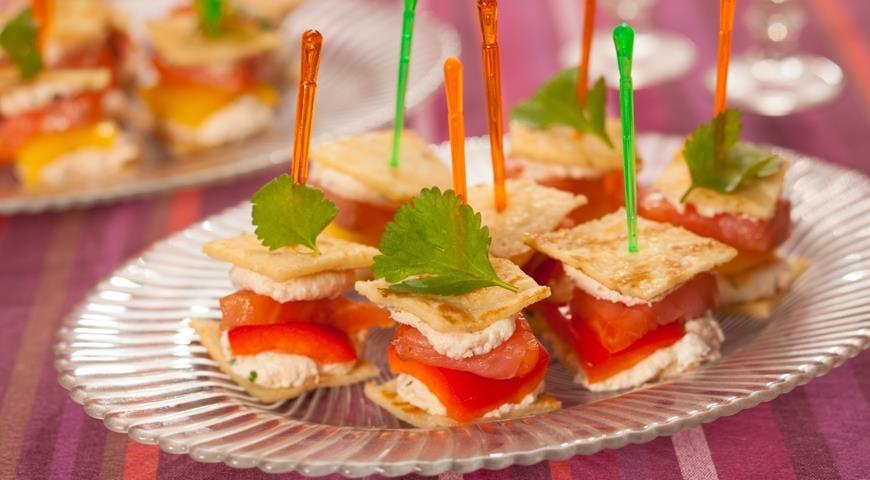 Закуски к праздничному столу рецепты фото простые