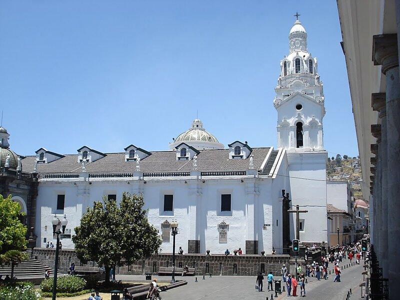 Эквадор — это тихоокеанское побережье Южной Америки, это живописные Гала ...