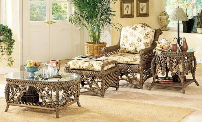 Красивая плетеная мебель в интерьере.