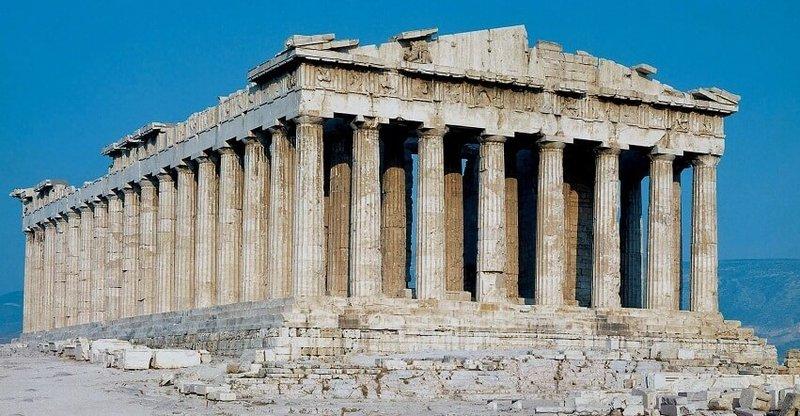 Древний храм Парфенон в Греции, посвященный богине Афине