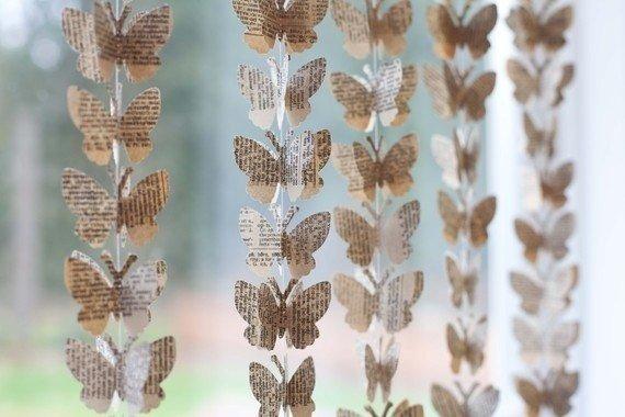 гирлянда из бумаги с бабочками