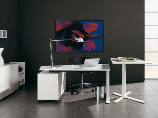 . Тенденция такова, что стиль минимализма проникает в конструкции современных домов и интерьеров