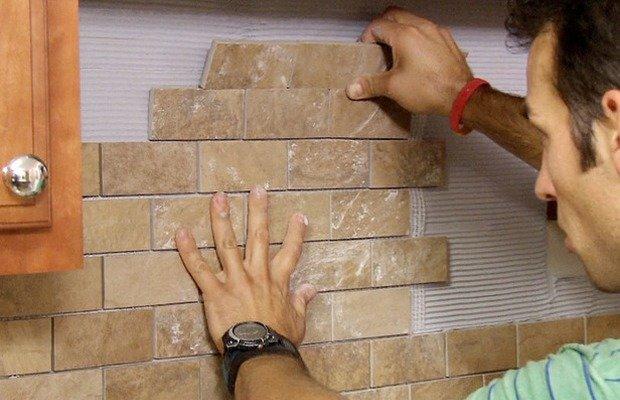 специальные каким способом приклееть камень к деревянной стене распространенное название родовые