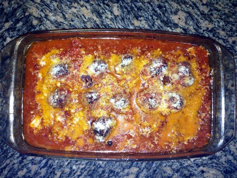 Тефтели из говядины в томатном соусе с сыром