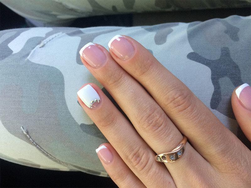 Дизайн ногтей фото белый цветок
