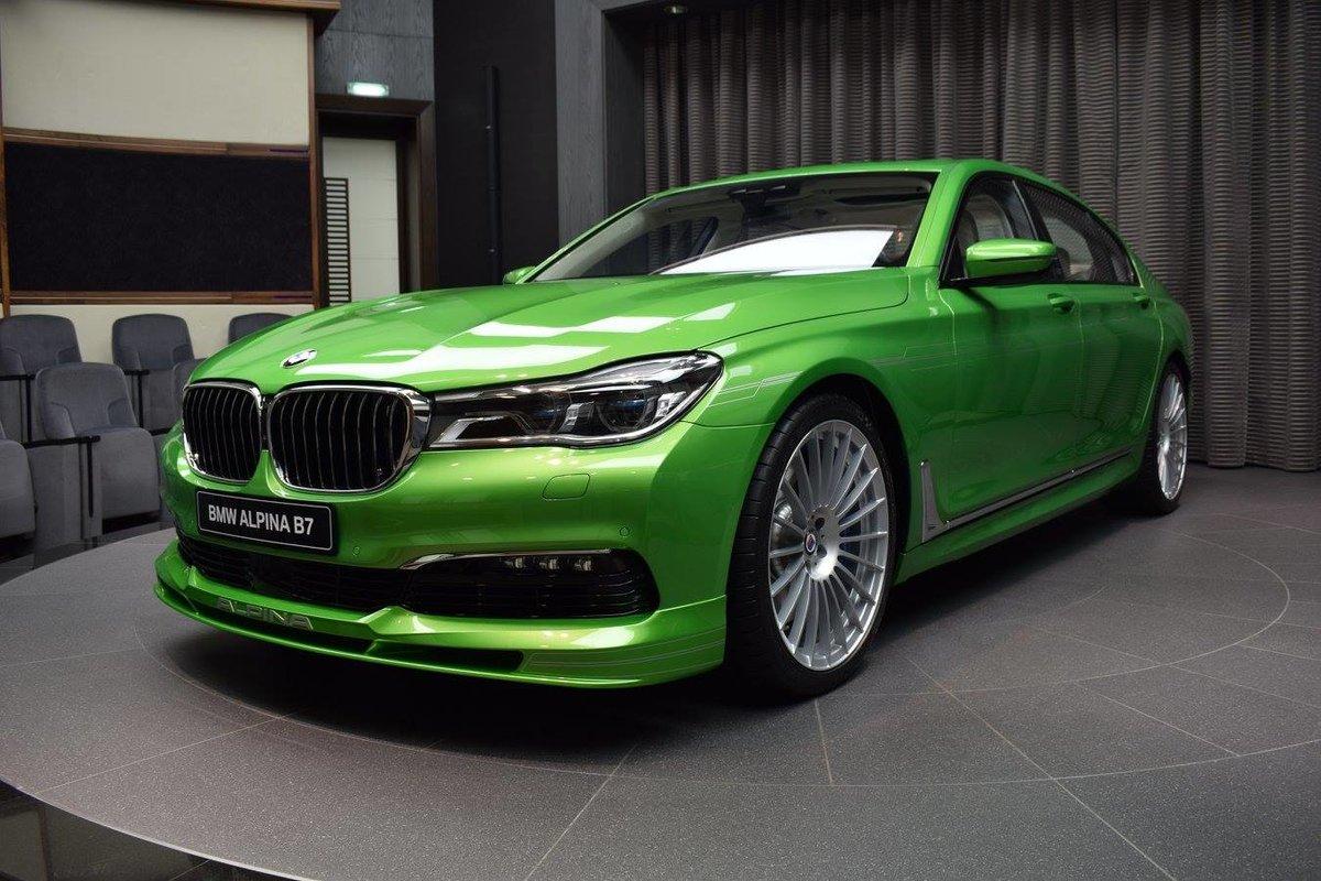 фото автомобилей зеленого цвета растений, закрепленные