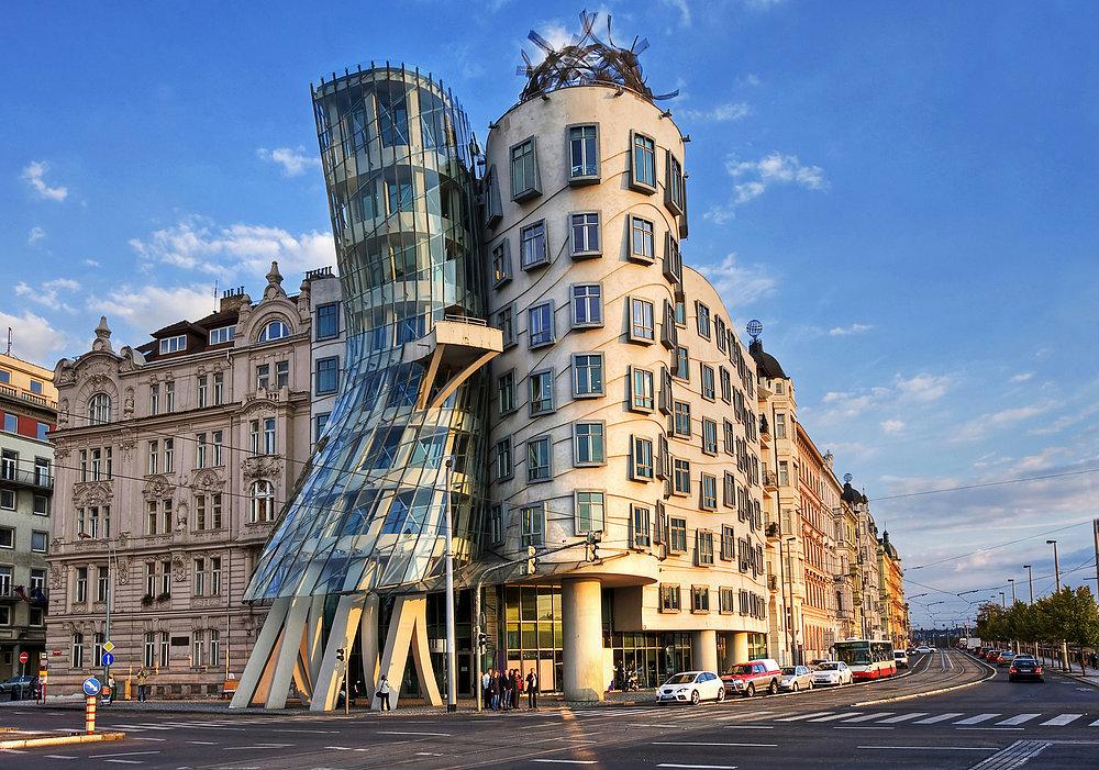 сей день фотография интересного здания или архитектуры настолько срослась образом