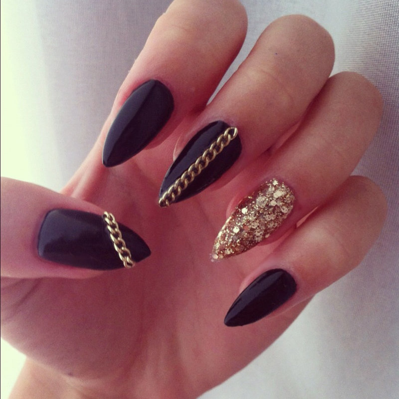 Дизайн ногтей чёрный лак