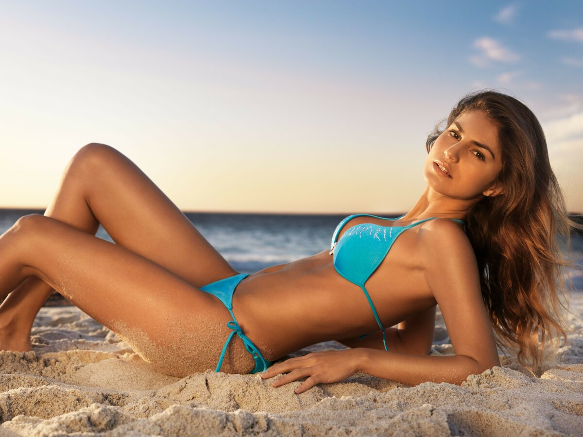 In hot bikini photo