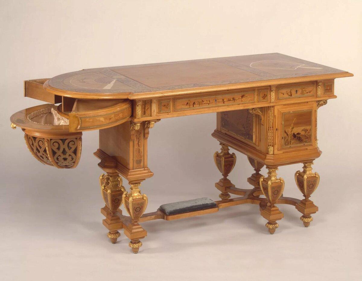 Картинки антикварных столов