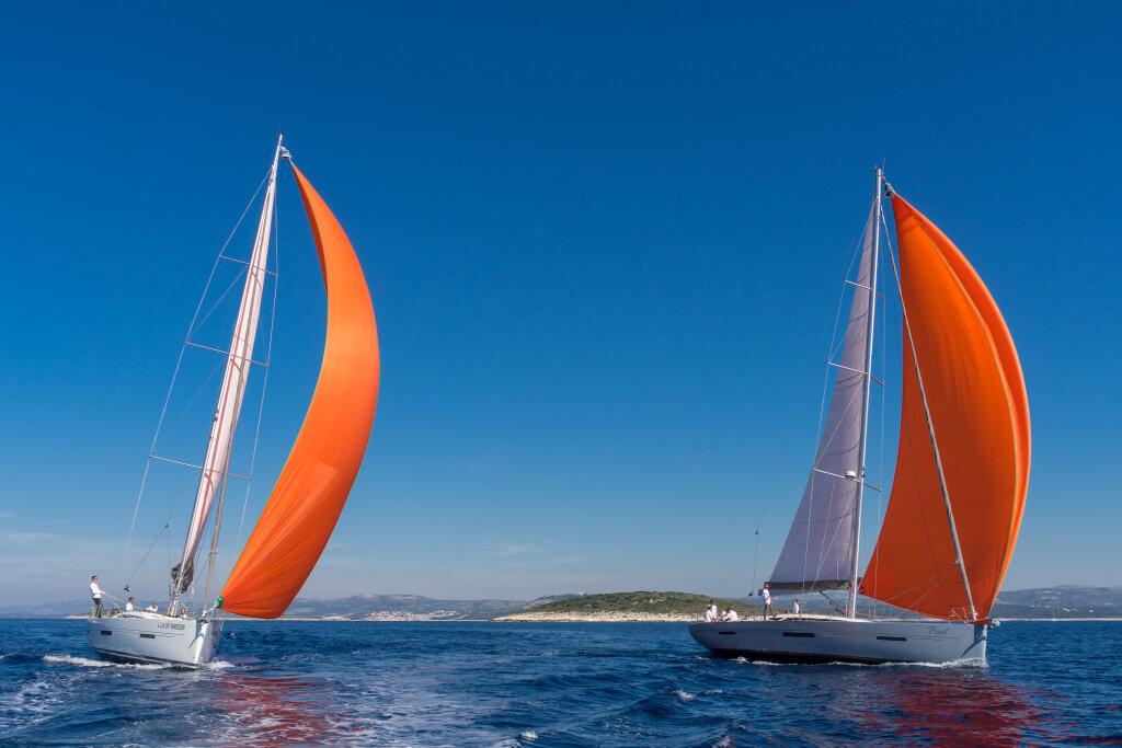 фото яхты с надутыми парусами это первое