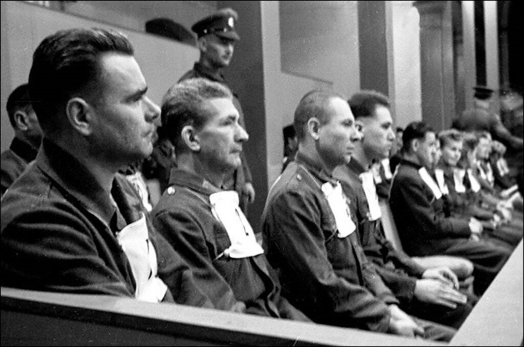 «Известия», 15 декабря 1945 года