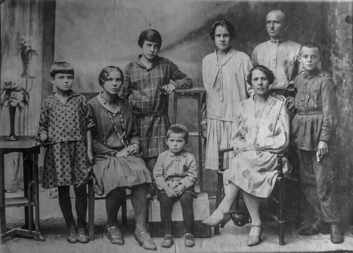 несколько дополнительных архив семьи курдюковых фото мере его