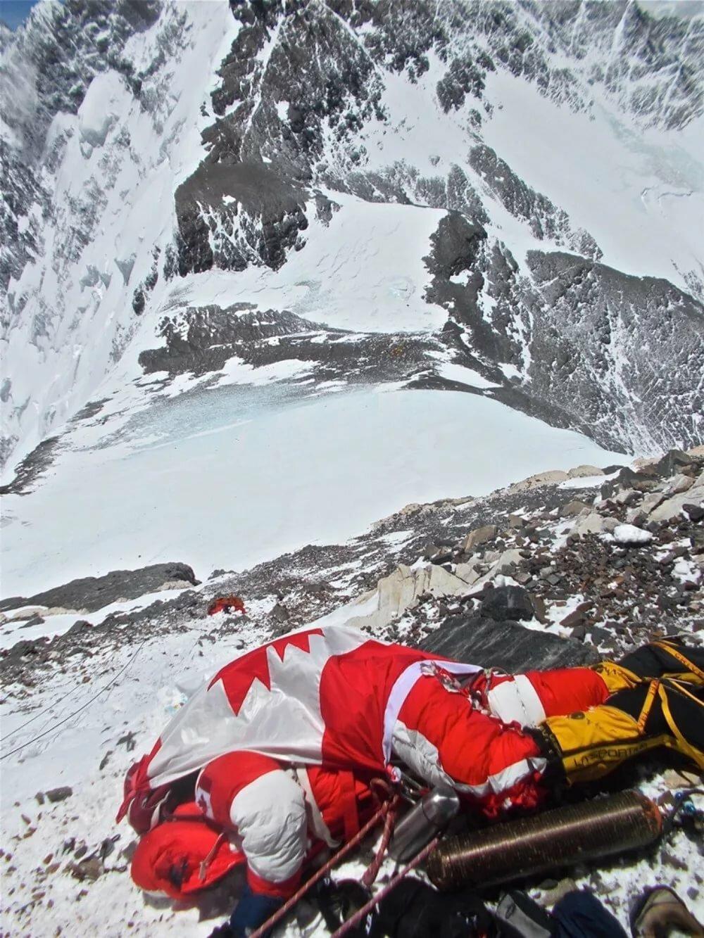 присматриваете выживший на эвересте фото запросу