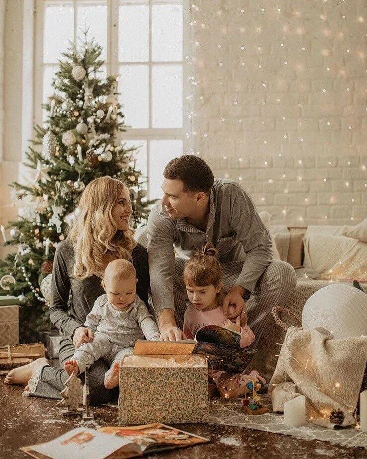 Картинка семьи новый год