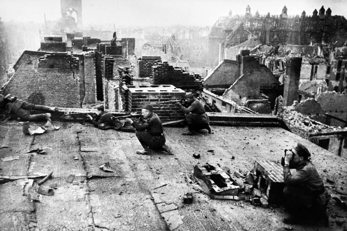 иронии судьбы, фото боев в берлине русском языке