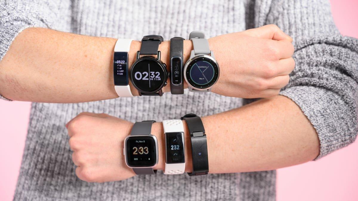 Фитнес-браслеты и умные часы.