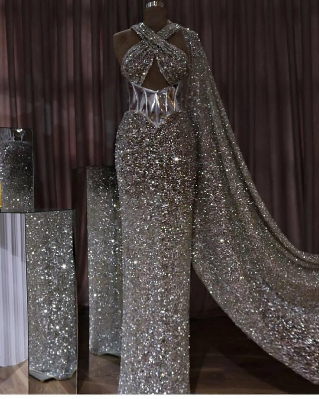 дреды при самое блестящее платье в мире фото ресторанами